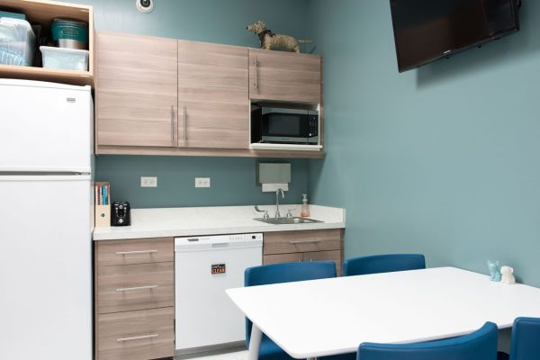 BoulevardVeterinary_BreakSuite01